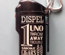 ダイソーのモノトーンな携帯用吸いがら入れを購入しました