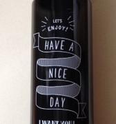 ミーツ新商品 手書き風ロゴがオシャレなドリンクボトルを購入しました