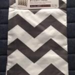 ダイソー新商品 シェブロン柄の枕カバーギザギザを再び買い足しました